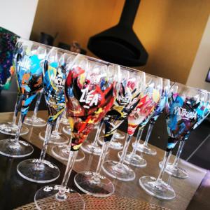 Coupes de champagnes graffées personnalisées par Rise up - Julie Nivet