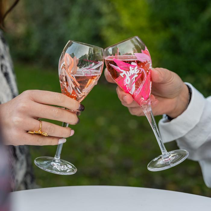 Coupes de champagnes graffées personnalisées par Rise up